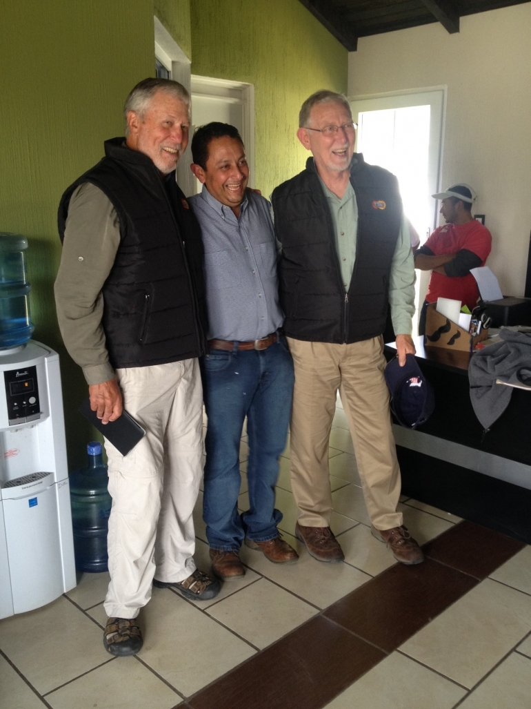 Entomologos, Walt Bentley y Jay Brunner, Farmer to Farmer